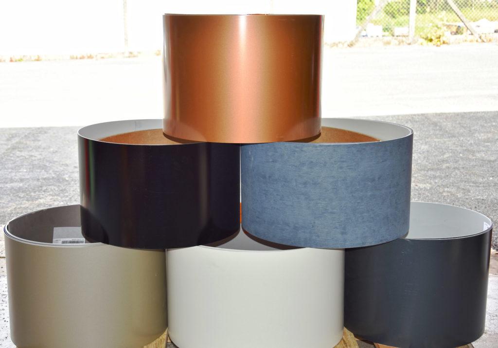 Bobines en aluminium de diverses couleurs.