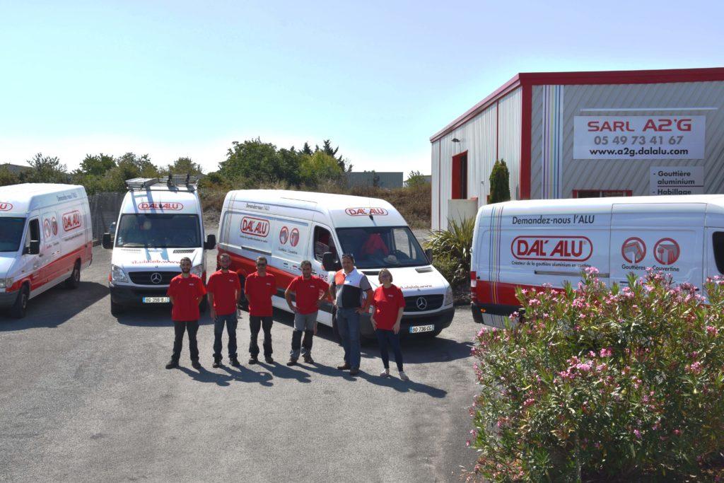 L'équipe, les locaux et camions de Niort